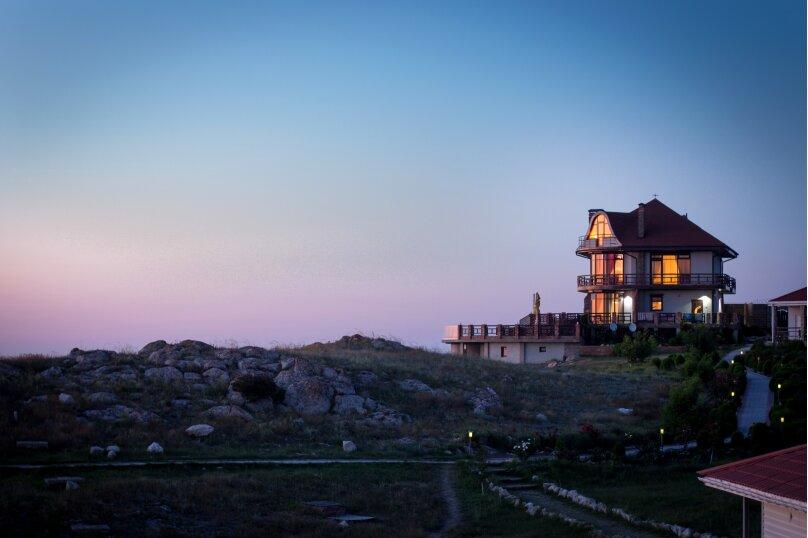 Дом на скале, 200 кв.м. на 9 человек, 3 спальни, Северная улица, 23, село Золотое - Фотография 25