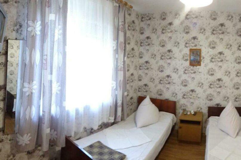 Бюджетный двухместный номер с 2 отдельными кроватями и кондиционером, Тракторная улица, 9, Витязево - Фотография 1