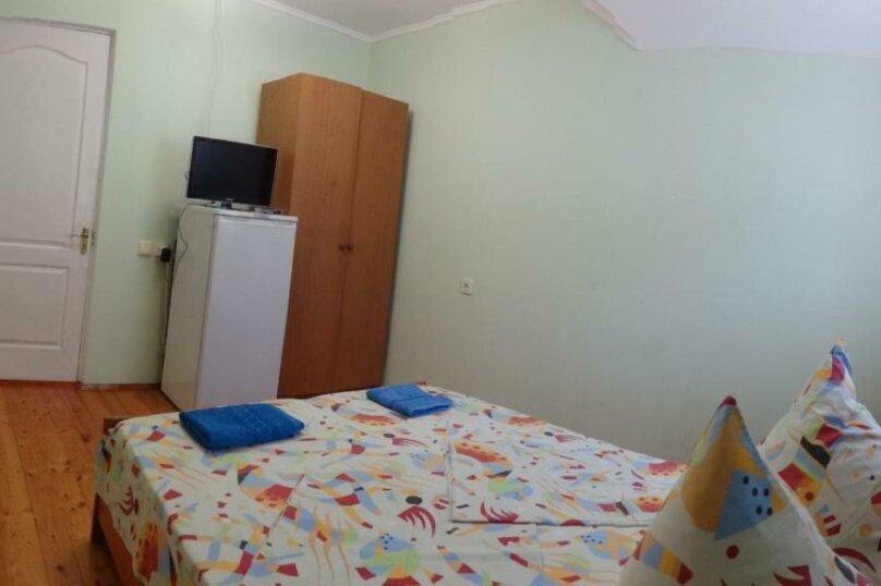 Двухместный номер с 1 кроватью или 2 отдельными кроватями и террасой, Тракторная улица, 9, Витязево - Фотография 6