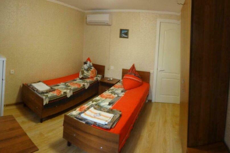 Двухместный номер с 1 кроватью или 2 отдельными кроватями и террасой, Тракторная улица, 9, Витязево - Фотография 8