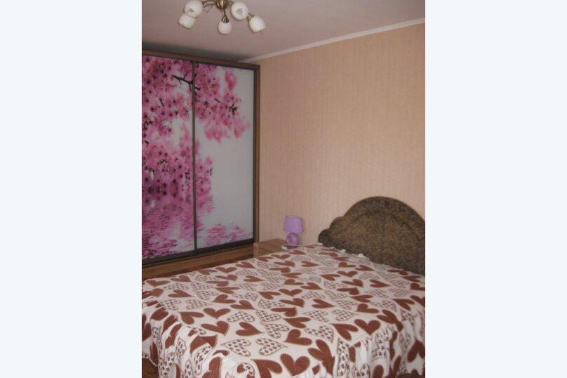 Часть дома с отдельным входом, второй этаж, 40 кв.м. на 4 человека, 1 спальня, улица Саранчева, 13, Алушта - Фотография 2