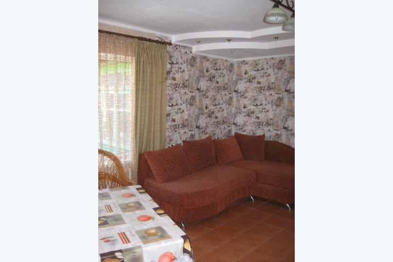 Часть дома с отдельным входом, второй этаж, 40 кв.м. на 4 человека, 1 спальня, улица Саранчева, 13, Алушта - Фотография 4