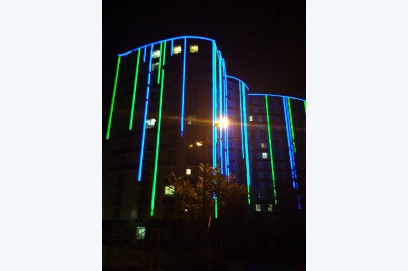 Апартаменты-студио в «ЖК Алмаз», улица Блюхера, 19 на 10 номеров - Фотография 4