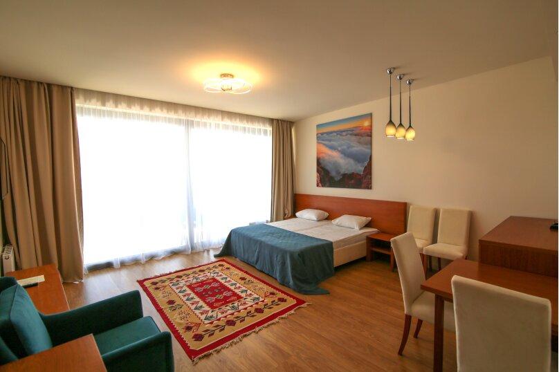 Супериор с отдельной спальней, Ялтинская улица, 14литЗ, Гурзуф - Фотография 2
