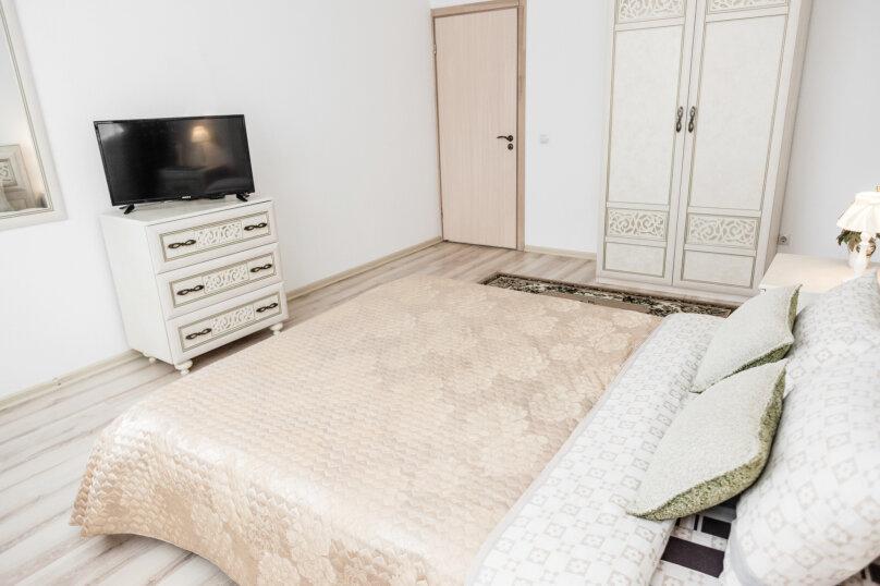 2-комн. квартира, 55 кв.м. на 4 человека, улица Степана Разина, 2, Екатеринбург - Фотография 47