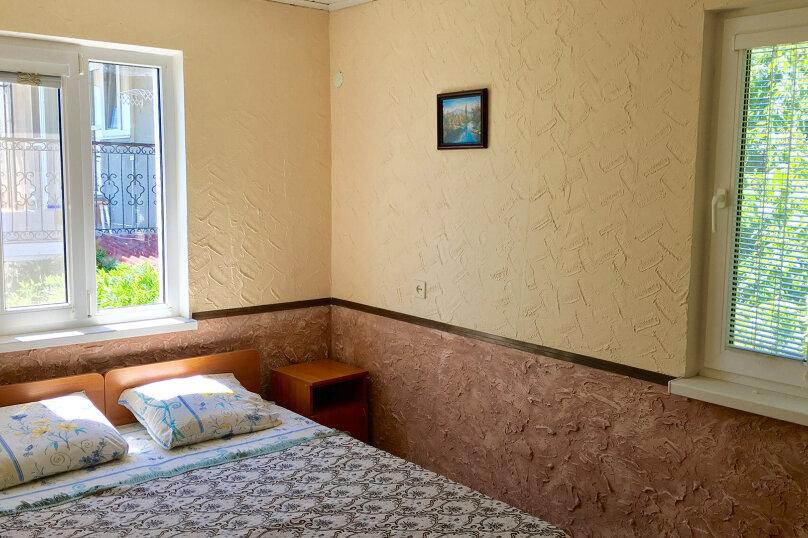 Двухкомнатный 4-х местный, Заречная улица, 29, Солнечногорское - Фотография 1