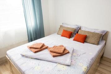 1-комн. квартира, 35 кв.м. на 4 человека, улица Степана Разина, 2, Екатеринбург - Фотография 1