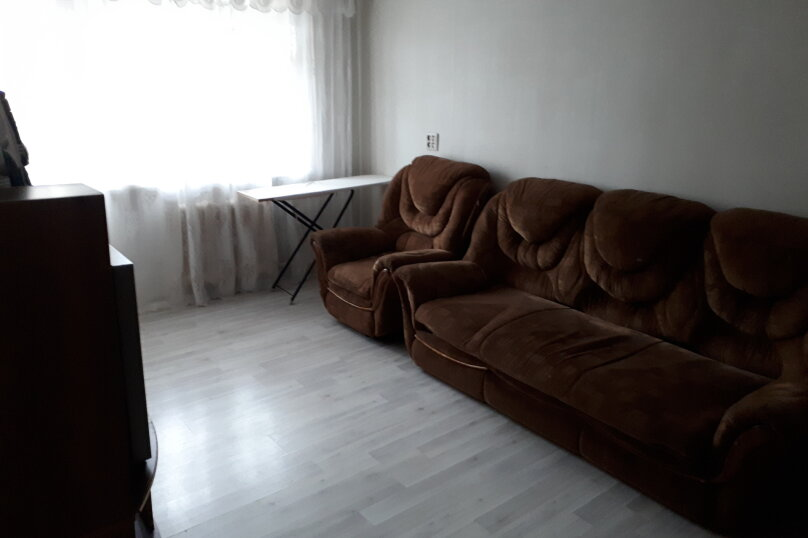 2-комн. квартира, 47 кв.м. на 6 человек, улица имени Н.П. Полетаева, 5, Златоуст - Фотография 15