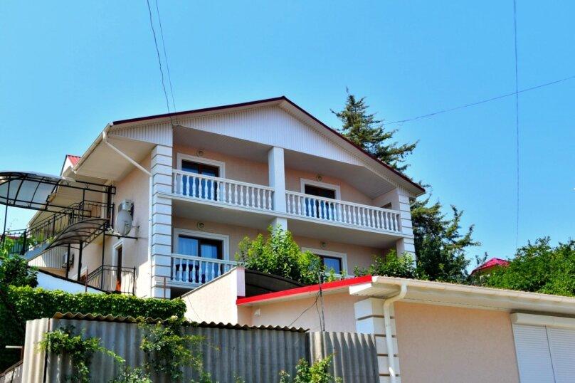 """Гостевой дом """"Хурма"""", Кипарисная улица, 3 на 8 комнат - Фотография 1"""