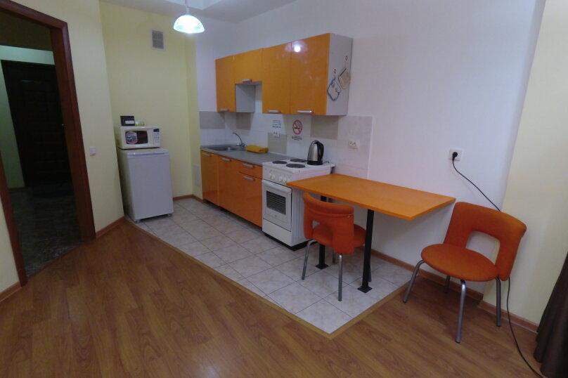 1-комн. квартира, 60 кв.м. на 6 человек, улица Терешковой, 21, Иркутск - Фотография 11