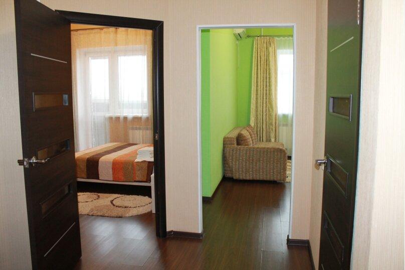 2-комн. квартира, 55 кв.м. на 4 человека, улица Истомина, 22А, Хабаровск - Фотография 10