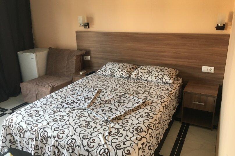 Номер Стандарт, 3-местный (2 основных + 1 доп), 1-комнатный №3, Революционная улица, 124, Кабардинка - Фотография 1