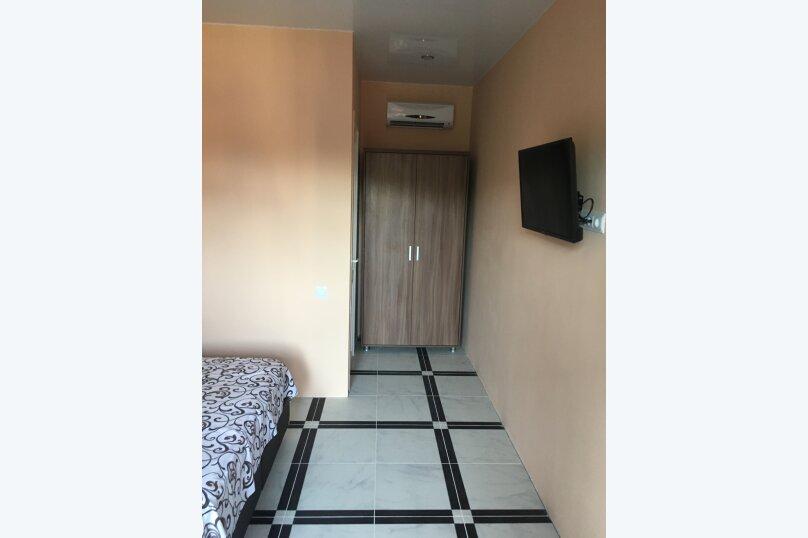 Номер Стандарт, 3-местный (2 основных + 1 доп), 1-комнатный №3, Революционная улица, 124, Кабардинка - Фотография 6