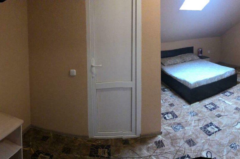 трехместный номер на мансарде, Батарейная улица, 33, Витязево - Фотография 2