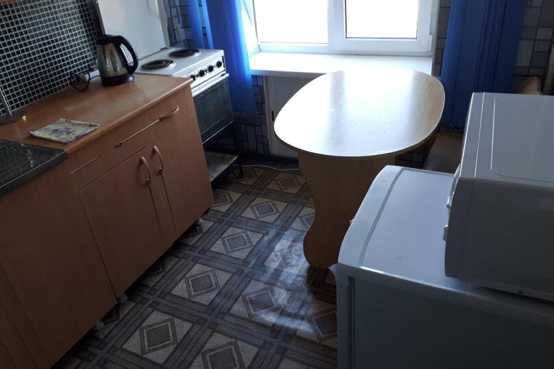 1-комн. квартира, 33 кв.м. на 4 человека, проспект Мира, 24, Златоуст - Фотография 10