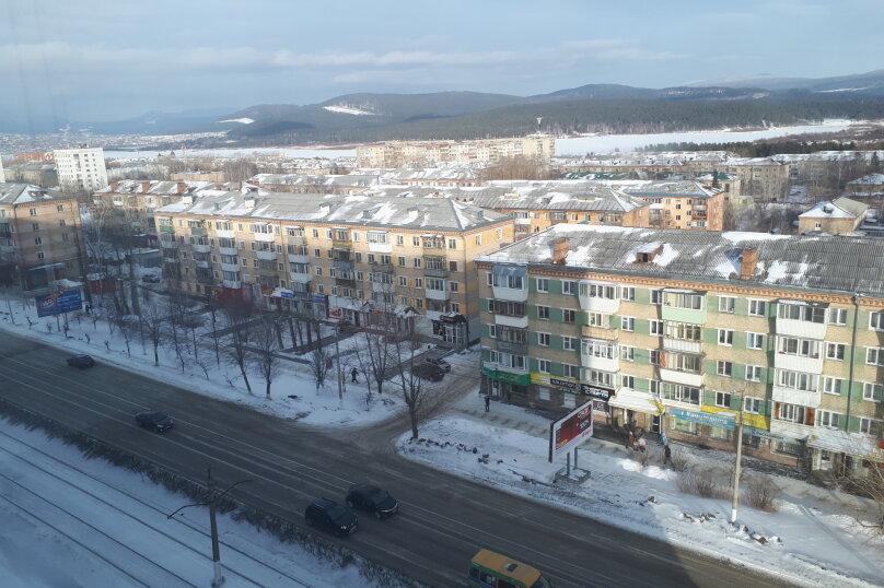 2-комн. квартира, 46 кв.м. на 7 человек, 3-й микрорайон, проспект Гагарина, 2, Златоуст - Фотография 10