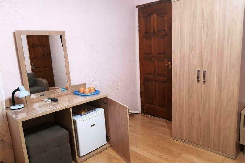 2-х местный с удобствами и дополнительным местом для ребёнка (номер 2), улица Просвещения, 93Б, Сочи - Фотография 3