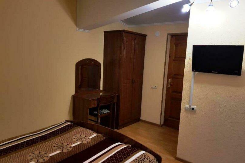 2-х местный с удобствами и дополнительным местом для ребёнка (номер 2), улица Просвещения, 93Б, Сочи - Фотография 10