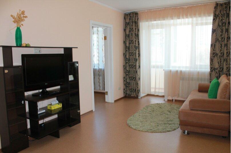 2-комн. квартира, 45 кв.м. на 5 человек, Амурский бульвар, 17, Хабаровск - Фотография 2