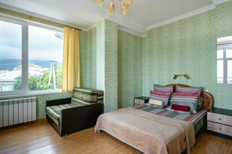 Отдельная комната, улица имени Умера Акмоллы Адаманова, 19, Ялта - Фотография 17