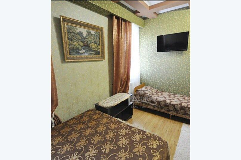 Трёхместный номер со всеми удобствами, Каштановая улица, 6, Кабардинка - Фотография 5