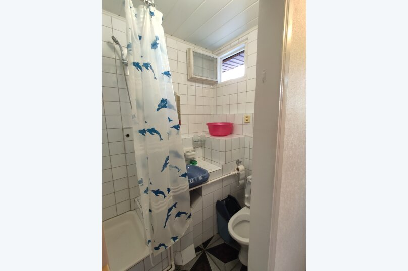 Апартаменты с кухней, гостиной и 2-мя спальнями на 2-ом этаже, Комсомольская улица, 10, Витязево - Фотография 3