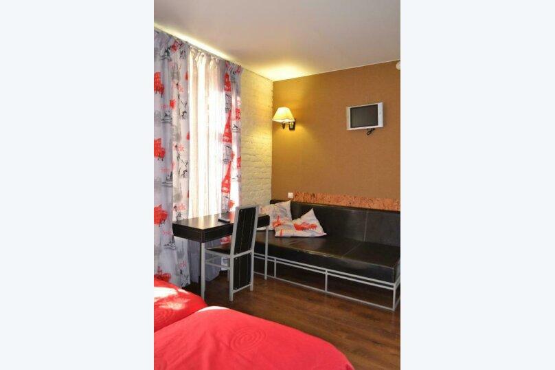 Стандартный номер с 2 односпальными кроватями и диваном, Лиговский проспект, 44, Санкт-Петербург - Фотография 3
