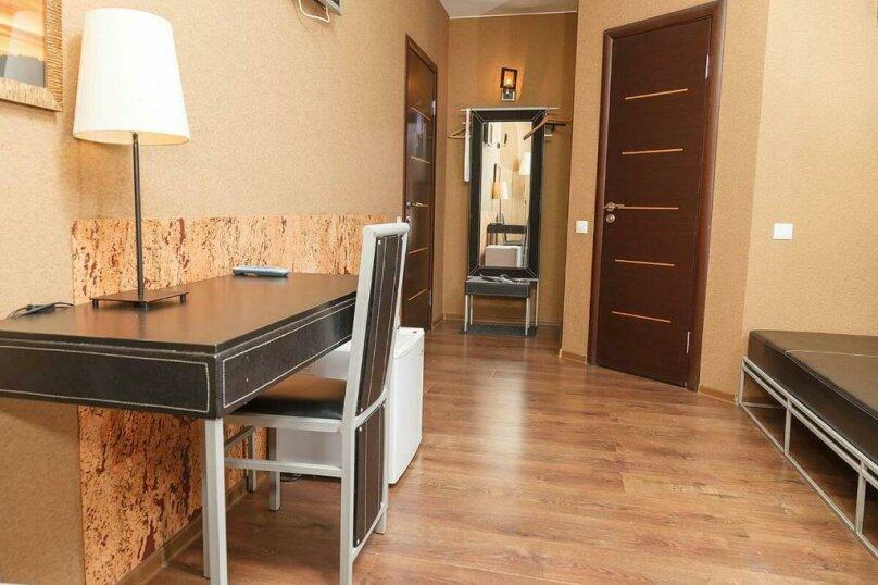 Двухместный номер «Комфорт» с 1 кроватью и диваном, Лиговский проспект, 44, Санкт-Петербург - Фотография 2