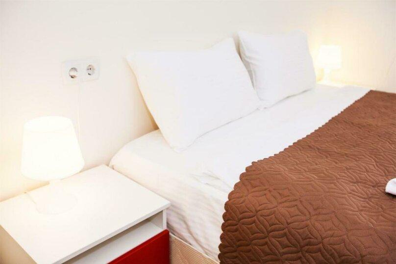 Двухместный номер с одной большой кроватью и общей ванной комнатой, 5-й проезд Подбельского, 4А, Москва - Фотография 2