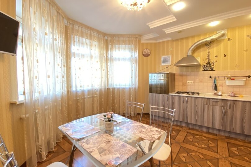 3-комн. квартира, 120 кв.м. на 10 человек, Лево-Булачная улица, 16, Казань - Фотография 3