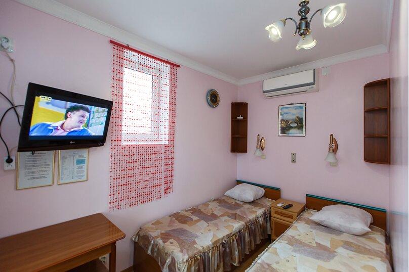стандарт 2х местный с  раздельными кроватями, Колхозная улица, 19, Геленджик - Фотография 1