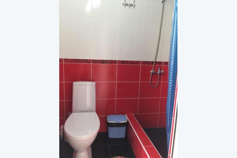 Номер с ванной комнатой, улица Луначарского, 180, Геленджик - Фотография 3
