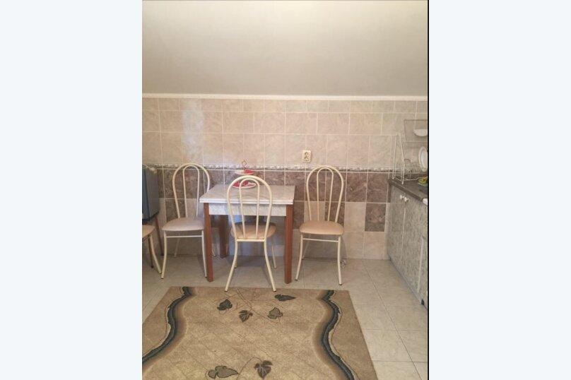 Двухместный номер с отдельными кроватями и кухней на этаже , улица Луначарского, 180, Геленджик - Фотография 4