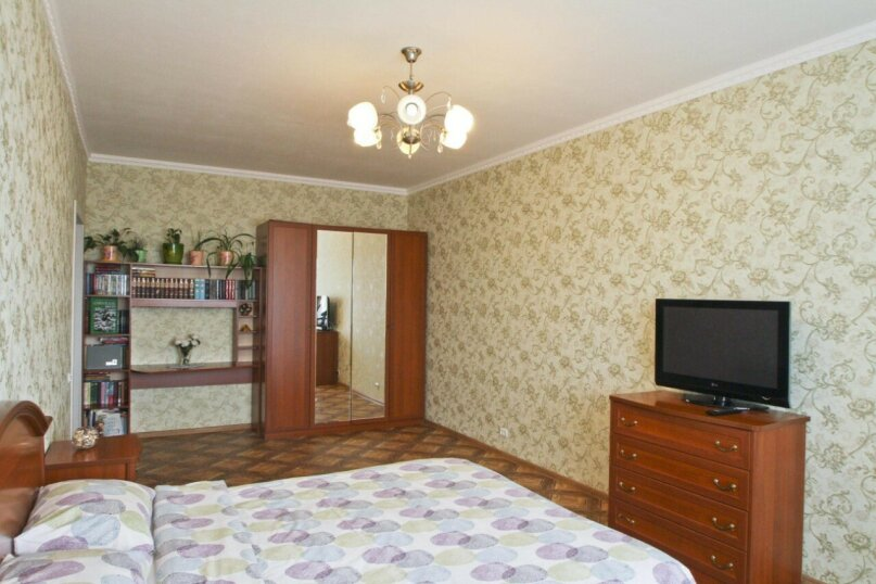 1-комн. квартира, 42 кв.м. на 3 человека, улица Иосифа Каролинского, 14, Сургут - Фотография 2