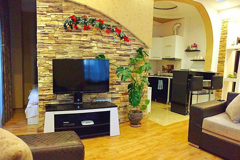 2-комн. квартира, 45 кв.м. на 3 человека, улица 9-го Апреля, 3, Тбилиси - Фотография 8