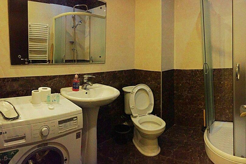 2-комн. квартира, 45 кв.м. на 3 человека, улица 9-го Апреля, 3, Тбилиси - Фотография 11