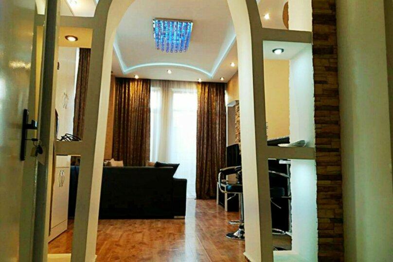 2-комн. квартира, 45 кв.м. на 3 человека, улица 9-го Апреля, 3, Тбилиси - Фотография 12