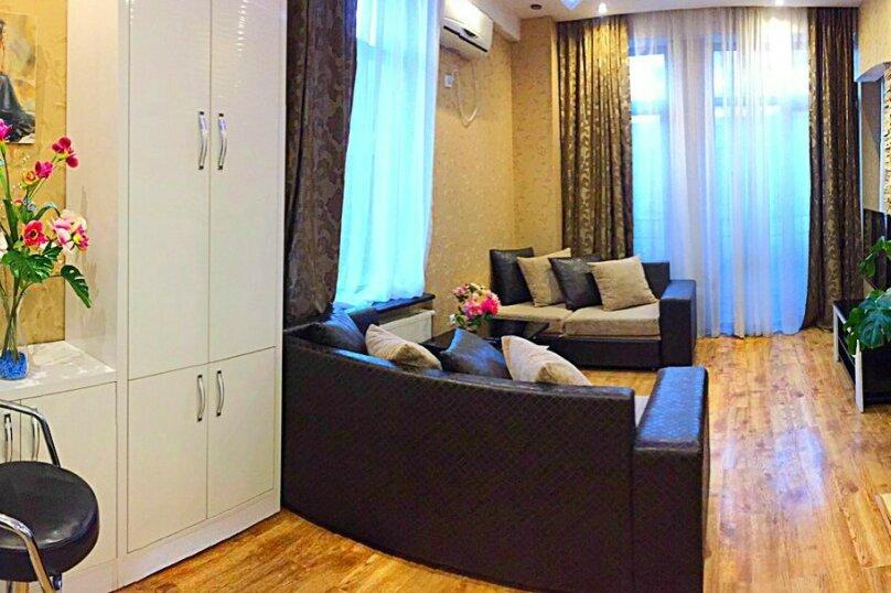 2-комн. квартира, 45 кв.м. на 3 человека, улица 9-го Апреля, 3, Тбилиси - Фотография 14