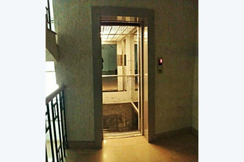 2-комн. квартира, 45 кв.м. на 3 человека, улица 9-го Апреля, 3, Тбилиси - Фотография 17