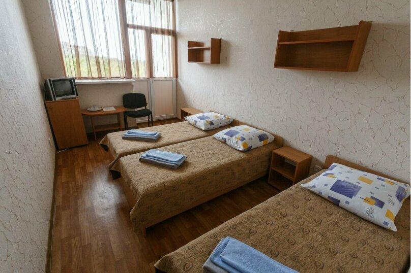 Стандарт 3-х местный, проспект Нахимова, 16, Николаевка, Крым - Фотография 1