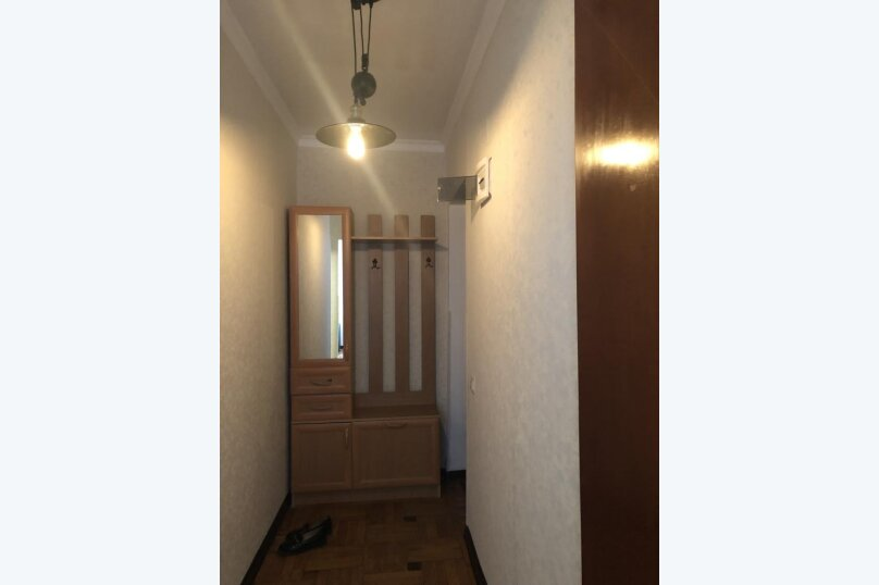 2-комн. квартира, 50 кв.м. на 5 человек, улица Инал-Ипа, 14, Сухум - Фотография 5