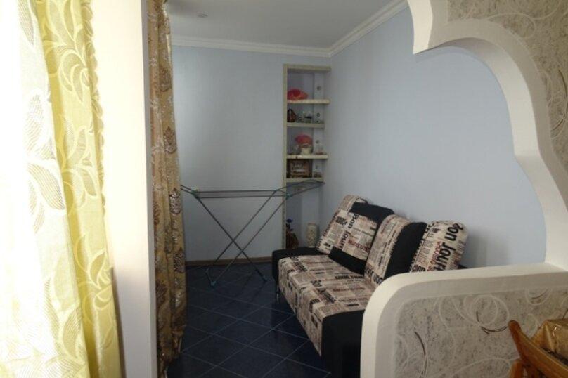 2-комн. квартира, 72 кв.м. на 4 человека, улица Абазгаа, 61, Гагра - Фотография 2