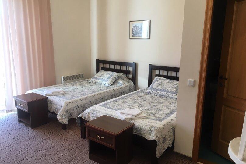 Полулюкс с двумя кроватями №11, улица Ленина, 32А, Алупка - Фотография 1