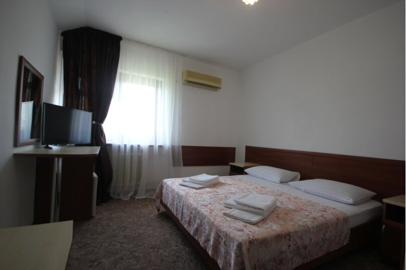 Трехместный комфорт 24,33, Морской переулок, 8, Витязево - Фотография 1