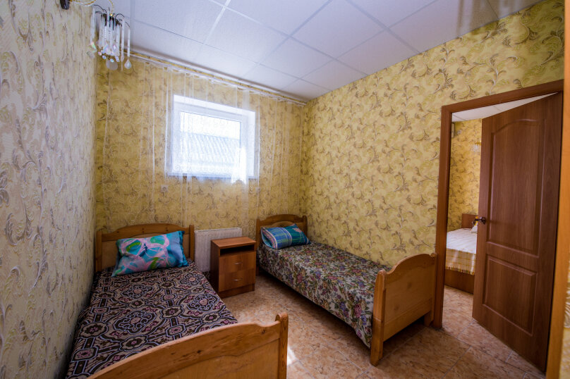 Стандарт №2 2-х комнатный 4-х местный, Харьковская улица, 1, Ейск - Фотография 1