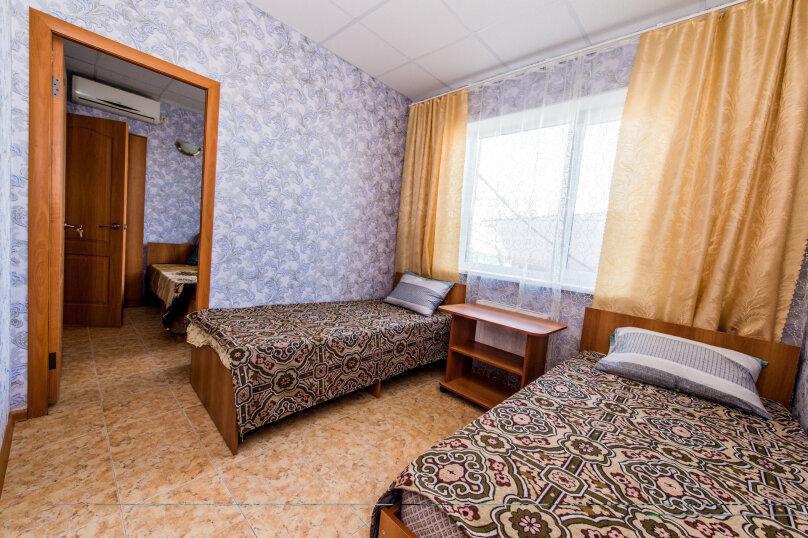 Стандарт №3 2-х комнатный 4-х местный, Харьковская улица, 1, Ейск - Фотография 1