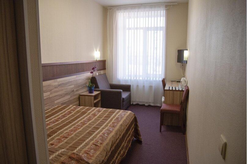Двухместный стандарт с большой кроватью, Лососинская набережная, 7А, Зарека район, Петрозаводск - Фотография 1