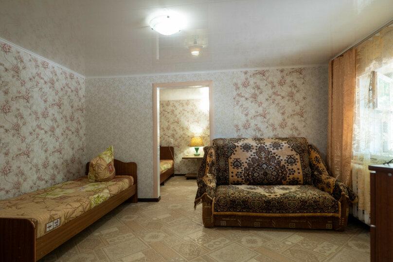 Дом, 50 кв.м. на 5 человек, 2 спальни, улица Богдана Хмельницкого, 31, Ейск - Фотография 2