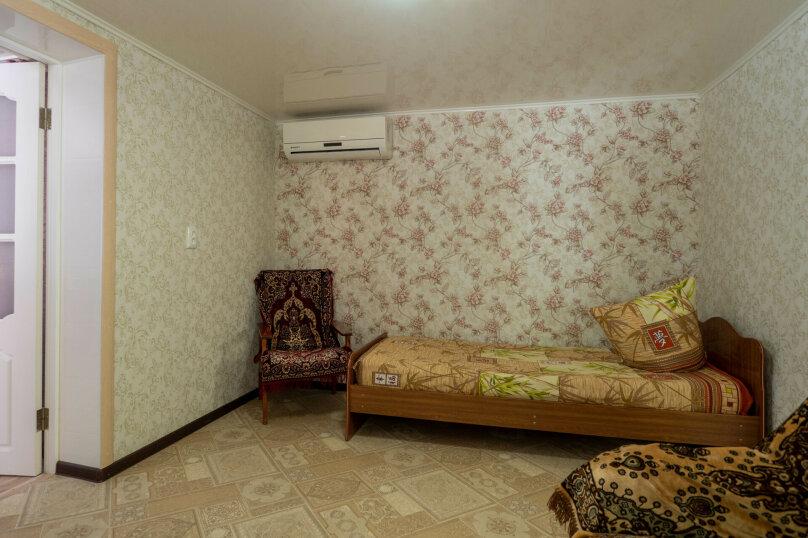Дом, 50 кв.м. на 5 человек, 2 спальни, улица Богдана Хмельницкого, 31, Ейск - Фотография 3
