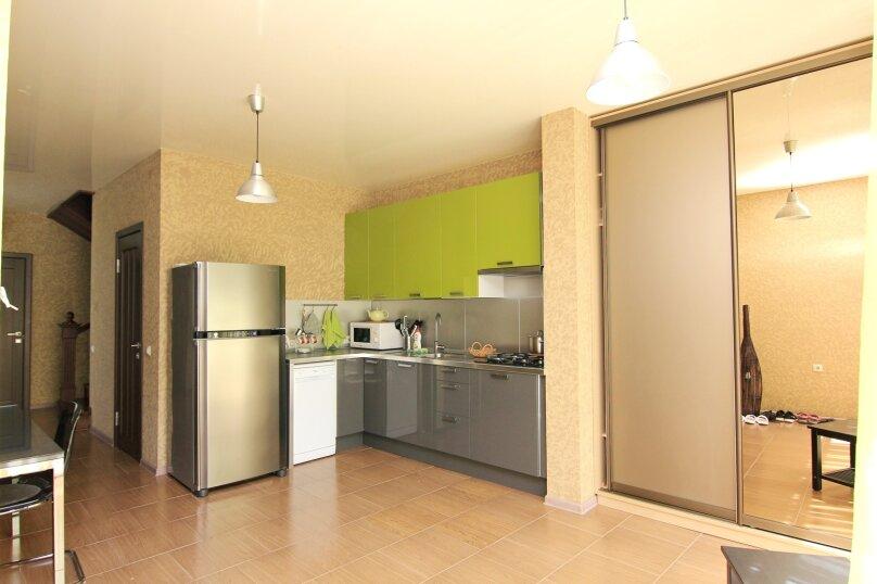 Двухместный номер с 1 кроватью и балконом (для 3 взрослых), Ульяновская улица, 41, Геленджик - Фотография 4